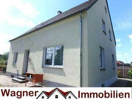 Wohnen & Werkstatt* Saniertes Haus auf 157 qm und 1064 qm Grund mit großer Nutzhalle !