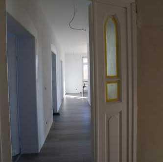 Exklusiv sanierte Altbauwohnung mit Wohnküche, 80qm, PROVISIONSFREI