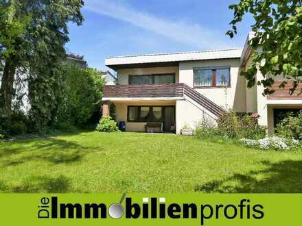 1006 - Charmanter, kleiner Bungalow mit Garten und Garage in Hof