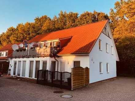 Vollständig renovierte 3-Zimmer-DG-Wohnung mit Balkon in Bremen