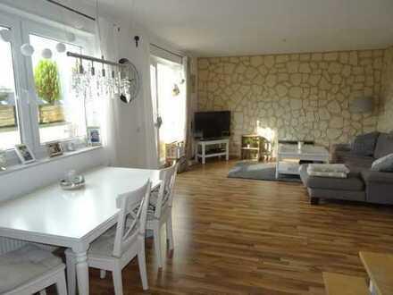 Schöne 2-Zimmer Wohnung mit toller Dachterrasse