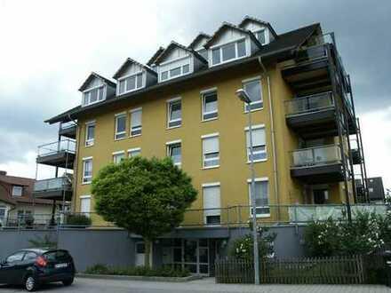 Große helle 4-Zimmer-Wohnung
