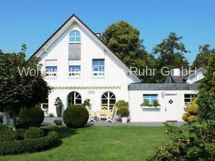 Repräsentatives freistehendes Einfamilienhaus in Hünxe im Landhausstil!