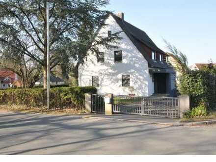 Anwesen in schöner ruhiger Lage, möchte renoviert und wieder bewohnt werden