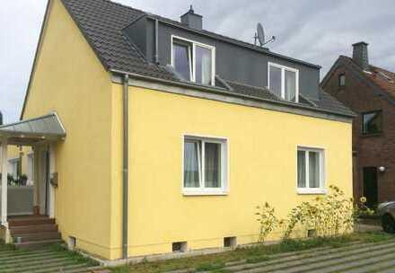 Freistehendes Einfamilienhaus mit großem Garten in Rheinnähe, Köln Poll - von privat