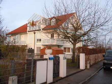 Sanierte 2-Zimmer-Wohnung mit Balkon und EBK in München - Allach