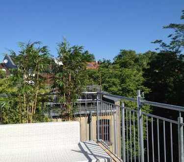 Für den Monat April: Möblierte Dachgeschosswohnung mit Terrasse im Quartier Latäng
