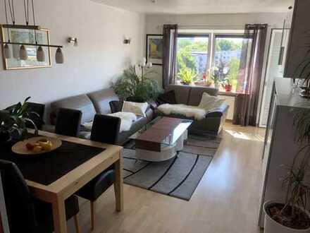 Helle sanierte 3-Zimmer-Wohnung mit Balkon und Einbauküche in Humboldt/Gremberg, Köln