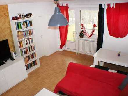 Modernisierte 3-Zimmer-Wohnung mit Loggia, Gartenzugang und EBK