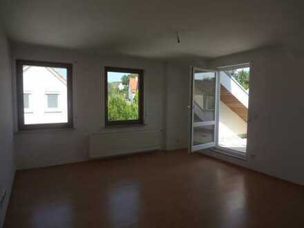 Lichte 2-Zimmer-DG-Wohnung in Göppingen, nördlicher Stadtrand.