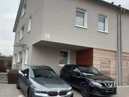 Neuwertige 6-Zimmer-Doppelhaushälfte mit Einbauküche in Schwaigern, Schwaigern