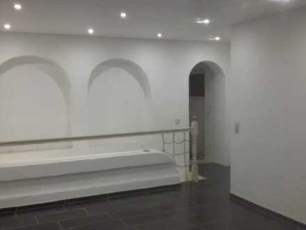Grosszügige Wohnung, 4 1/2 ZKDB, frisch renoviert
