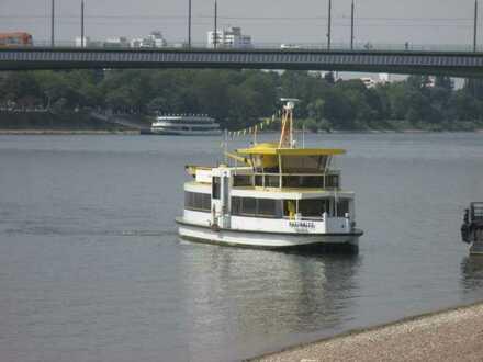 VORANKÜNDIGUNG !!!  Traumwohnung in TOP-Wohnlage von Beuel-Mitte (nur 1/2 Minute zum Rhein) !!!