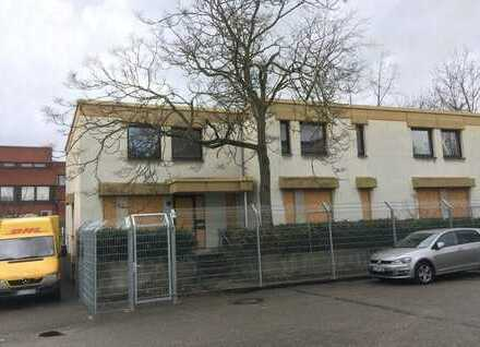 Technikgebäude mit leerstehendem Dreifamilienhaus in Lünen