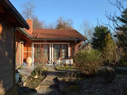 **NEU** Kaiserslautern – Großzügiges Wohnen mit ELW in gepflegter Blockhaus-Architektur