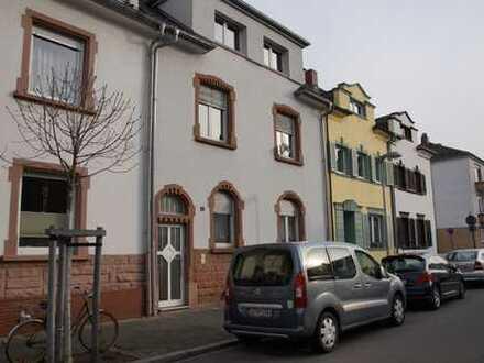 Helle, ruhige 2- Zimmer-Wohnung mit Balkon in 3-Familienhaus, in Mundenheim