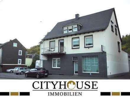 CITYHOUSE: 2 Familienhaus mit Ladenlokal in zentraler Lage von Herdorf!