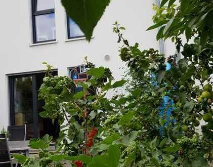 Provisionsfrei! Schickes Reihenhaus in zentraler Lage in Bad Vilbel!