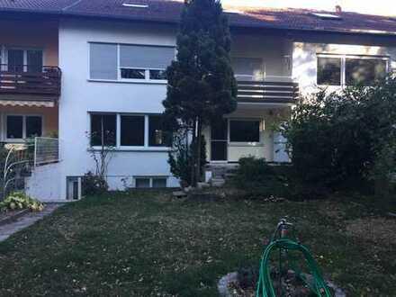 Wohnen im Grünen, gepflegte 3-Zimmer-Erdgeschosswohnung mit Terrasse und großem Garten in Karlsruhe
