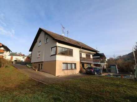 Großzügiges Dreifamilienhaus  in sonniger Südhang-Aussichtslage von Glatten