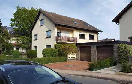 Gepflegte 3-Zimmer-DG-Wohnung mit Einbauküche in Fuldabrück