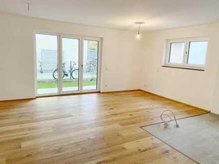 Erstbezug Neubau - Erdgeschosswohnung mit Südgarten und offener Küche