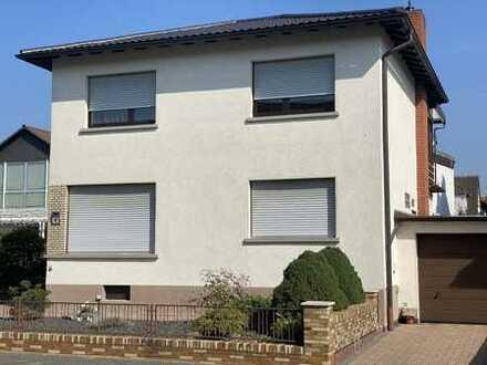 Schönes 1-Familien-Haus in ruhiger und bester Wohnlage, ohne eigenen Garten, aber mit schönem Balkon