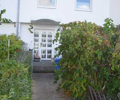 5 Zi. RMH mit Garten, Balkon und Garage in Erlangen-Eltersdorf