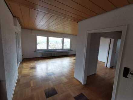 Freundliche 6-Zimmerwohnung, superAussichtslage in Oedheim zu vermieten