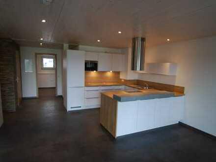 Neuwertige 2-Zimmer-Wohnung mit Balkon und Einbauküche in Öpfingen