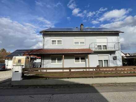 Vermietetes Zweifamilienhaus in Erbpacht.