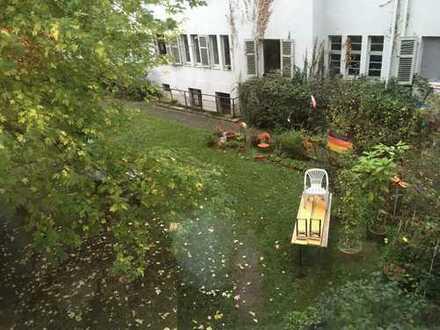 Gemütliches, geräumiges WG-Zimmer direkt an der Mosel im Herzen von Trier