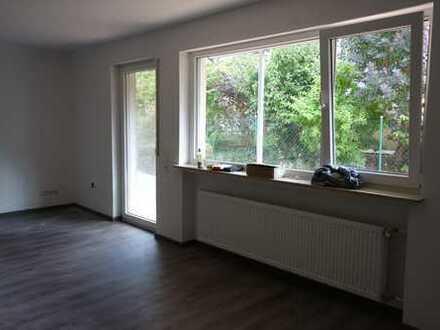 Erstbezug nach Sanierung: ansprechende 5-Zimmer-Erdgeschosswohnung mit Balkon in Bad Camberg-Würges