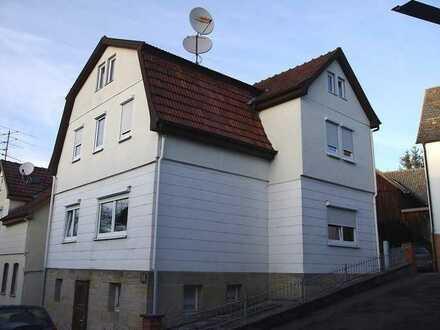 +++RESERVIERT+++ Gepflegtes, renoviertes Einfamilienhaus mit Einbauküche und Terrasse