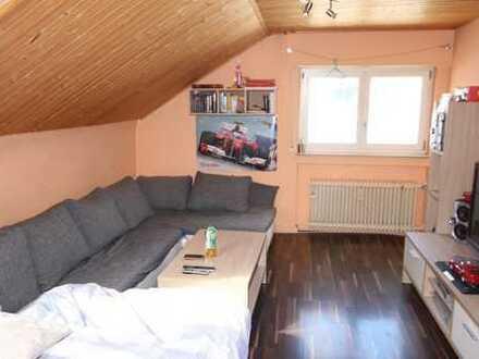 Schöne 2 Zi-Dachgeschosswohnung in ruhiger Lage von Ditzingen