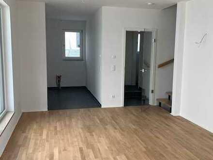 ERSTBEZUG: Wunderschöne neugebaute Doppelhaushälfte in Top-Lage
