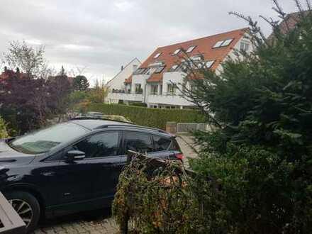 WG Zimmer MIT BALKON in 4er Wg in Stuttgart Heumaden (149qm Haus, ruhige Lage & 15min zur Uni Hohenh