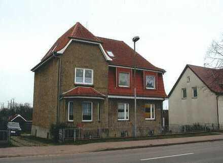 Große Stadtvilla Bj. ca. 1938 ( Wfl. ca. 230 m²), seit 2011 laufend saniert, Grdst. 1499 m² !!!