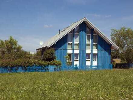 freistehendes Holzhaus mit Garten zentral in Kirchberg