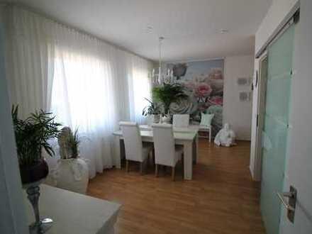 Wunderschöne 3 Zimmer Eigentumswohnung-einziehen, wohlfühlen, glücklich sein...