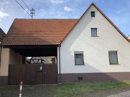 Einfamilienhaus mit Nebengebäuden in erstklassiger Lage für Sanierer oder Bauträger