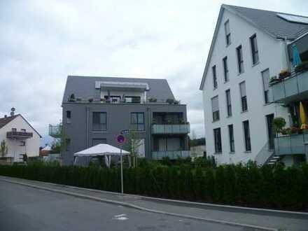 Moderne 3 Zimmer Wohnung mit Gartenanteil in ruhigen 6 Fam.Haus