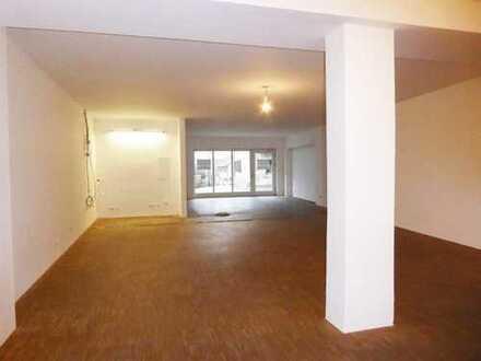 Cadolzburg: großzügiges Büro, Studio oder Ladenfläche in Bestlage
