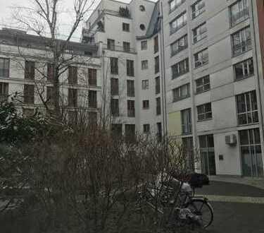 schöne 2-Raum-Wohnung am Hackeschen Markt