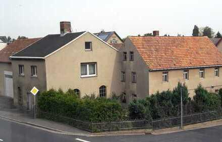 Grundstück mit Schmiede, Werkstatt, Wohnung und viel Lagerfläche