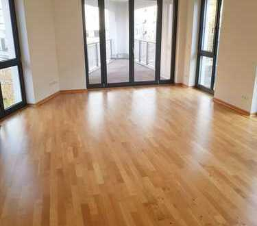 helle, geräumige 4,5-Raum-Wohnung im Zentrum-Südost *Erstbezug*Balkon*Gäste-WC*EBK*
