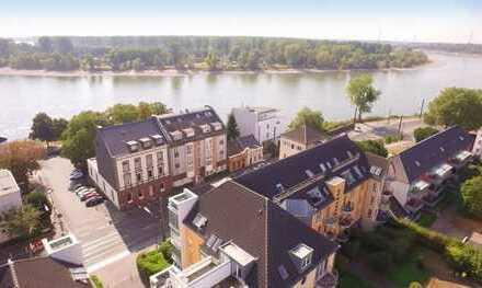 In Kürze Bezugsfrei. Charmante DG-Wohnung am Rhein. 4. OG, ohne Aufzug