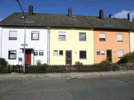 Reihenmittelhaus mit Garten und Garage in Top-Lage (Bayreuth-Glocke)