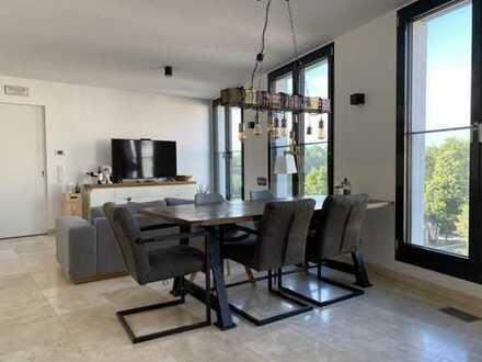 Schöne, voll-möblierte, moderne 3-Zimmer-Wohnung mit 2 Bäder, Küche, Stellplatz, Glockenbachsuiten