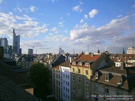 **Süße Maisonette Atelier Wohnung am Schweizer Platz mit Dachterrasse und Skylineblick**